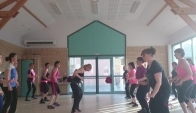 Do It Zumba cardio avec le groupe de bremes