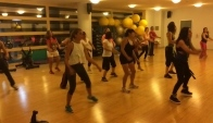 Zumba with Julia Bor Bailando reggaeton flamenco